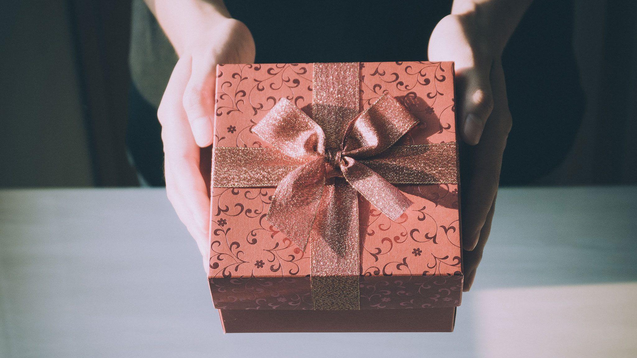 Избери оригинален подарък от SkyVision! Подари изживяване и незабравима емоция!